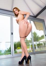 Victoria Daniels nude.jpg